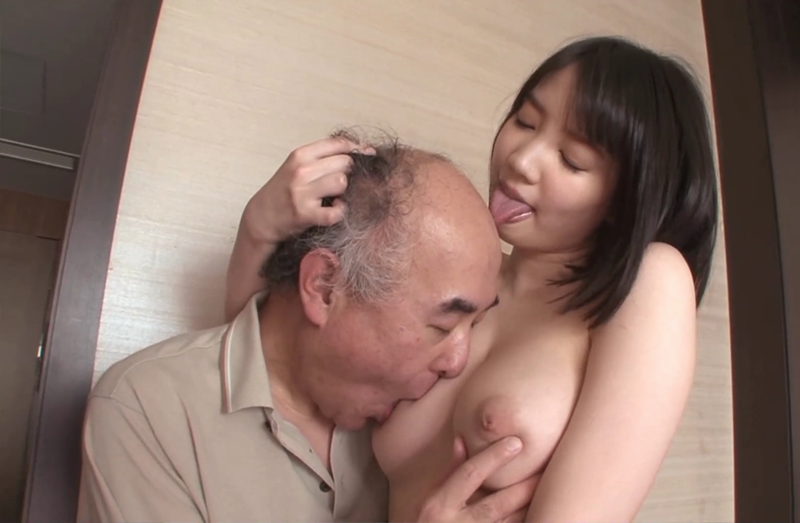 鈴木心春が杉浦ボッ樹の頭皮を舐める
