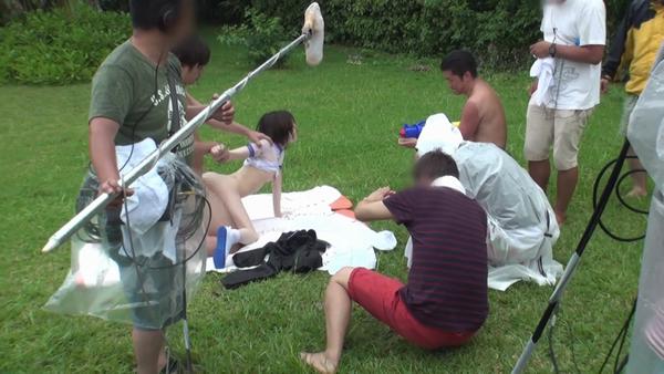 AV撮影の裏側が観れる鈴村あいり作品