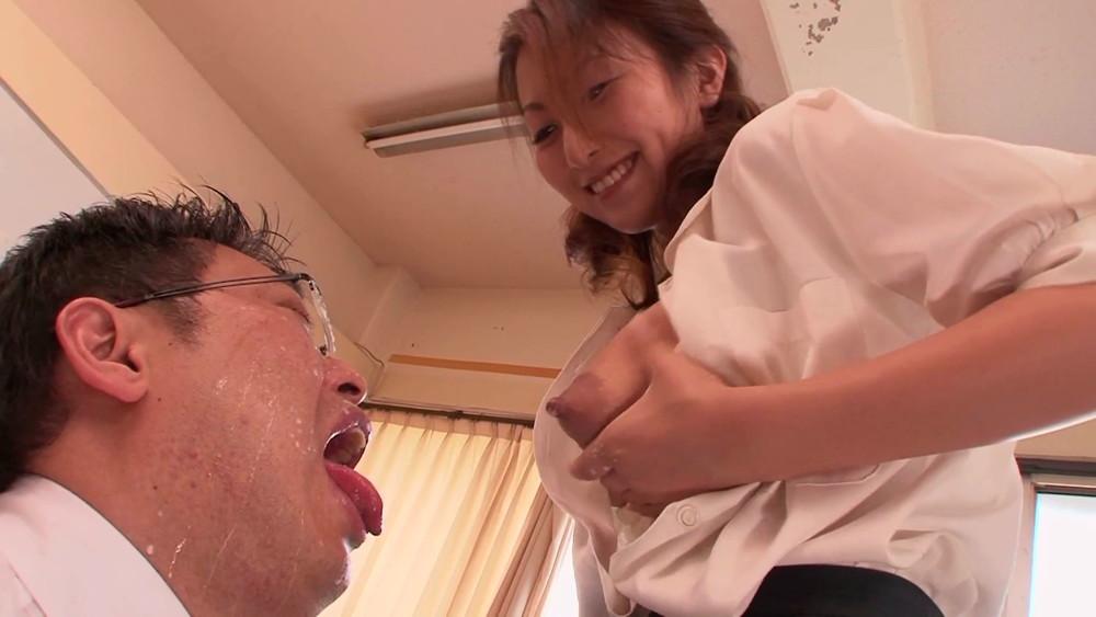 母乳系AV女優・青木玲