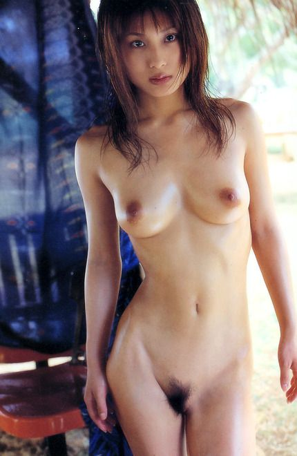 ウエストのくびれが美しいAV女優・美竹涼子
