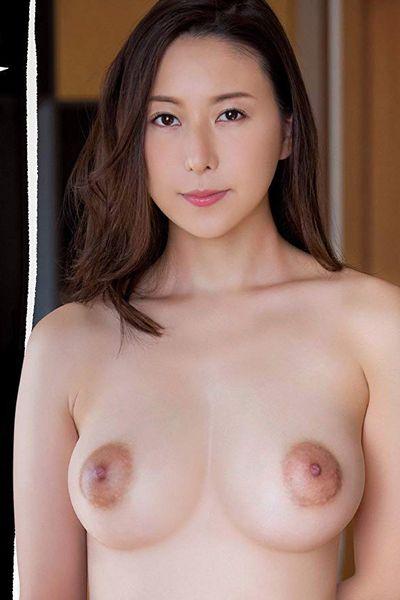 松下紗栄子の黒乳首