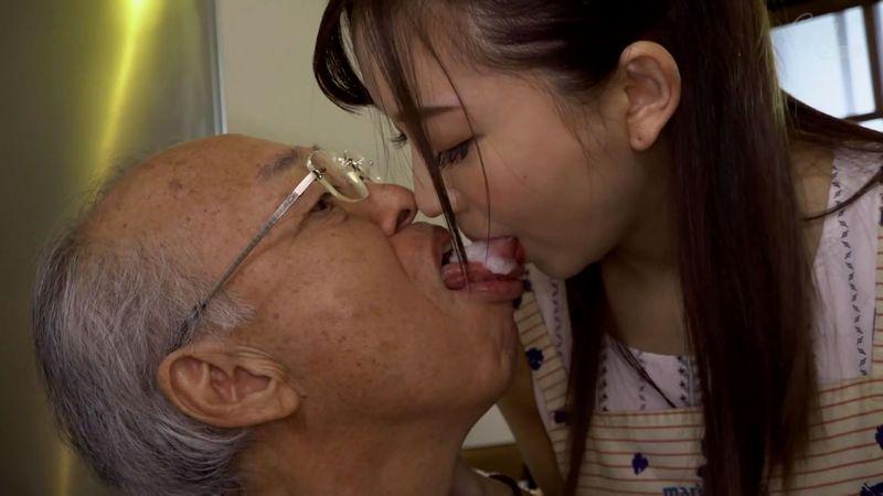 鈴木真夕の老人介護セックス