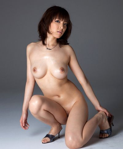 細身巨乳AV女優のましろ杏